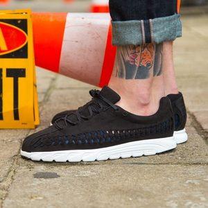 NWOB Nike Woven Mayfly Suede Sneakers